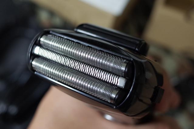 【Amazon.co.jp限定】パナソニック ラムダッシュ メンズシェーバー 3枚刃 お風呂剃り可 黒 ES-AST2A-K [フラストレーションフリーパッケージ (FFP)]