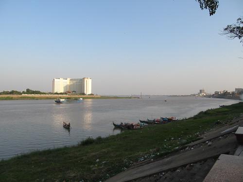 Phnom Penh, sa rivière et le Mékong