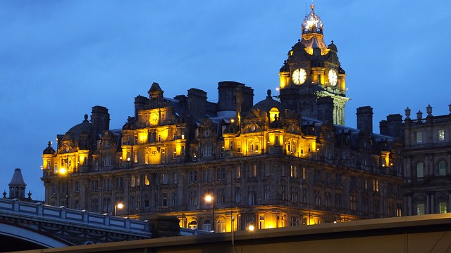 Balmoral Hotel, blue hour 01