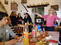 Στάση για φαγητό στο εστιατόριο Παράγκα στα Απόλλωνα