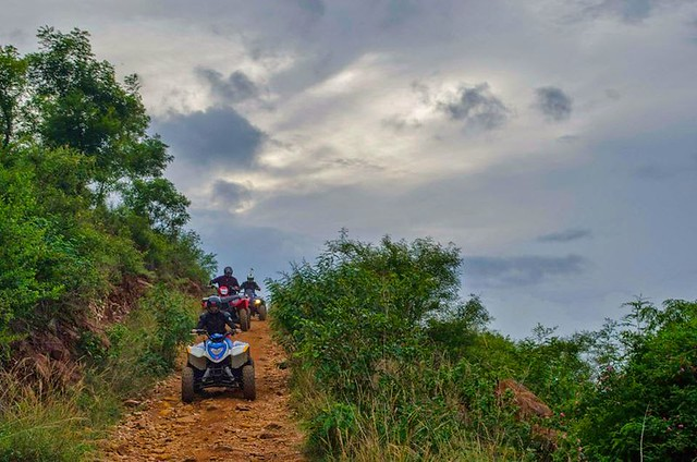 Quad Bike 12 Km Fun Trail Bangalore - 330cc