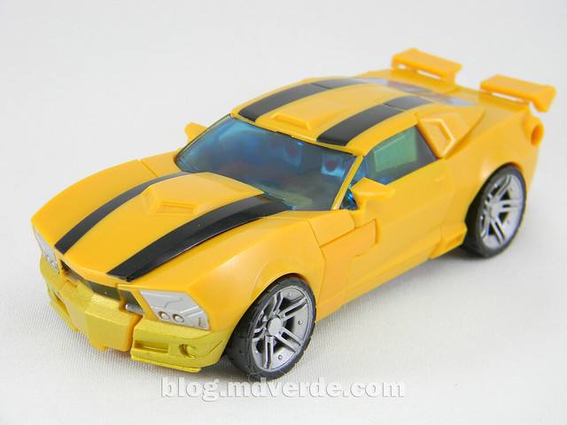 Transformers Bumblebee Goldbug Deluxe - Generations Takara - modo alterno