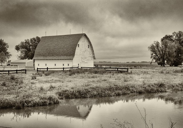 The White Barn (Explored 4-30-16)
