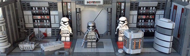 "Lego ""Star Wars - The Force Awakens"" Modular Diorama - full dio rotated adjusted cropped scene"