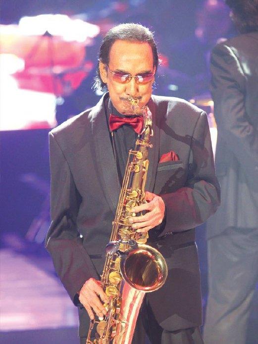 AHMAD Nawab turut tampil dengan persembahan khas dalam konsert ini