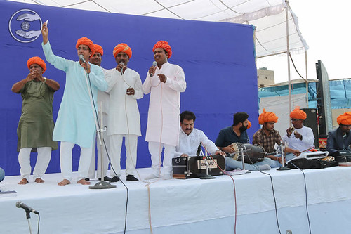 Devotional song by Om and Saathi from Bhilwara, Rajasthan