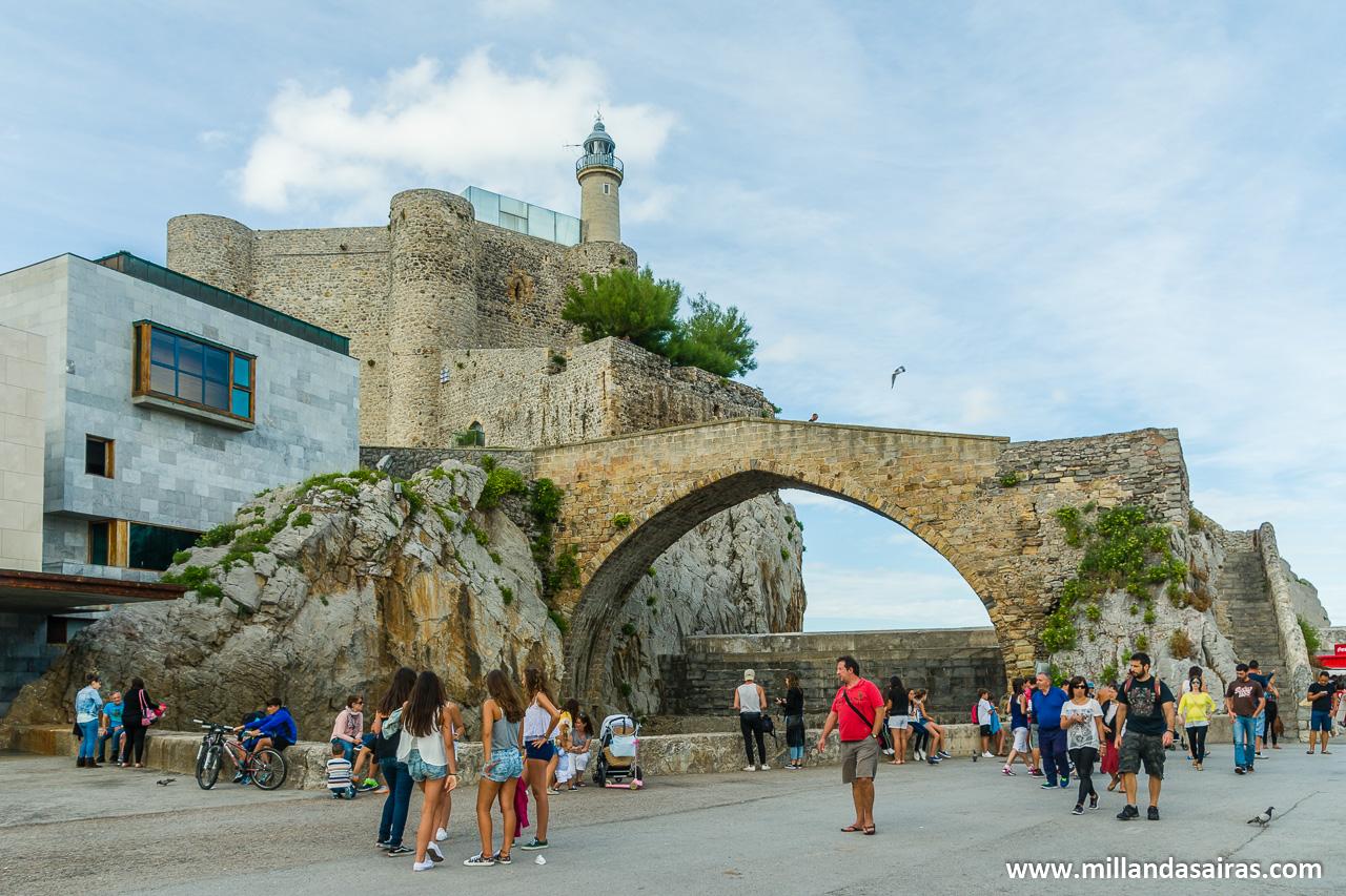 Castillo-faro de Santa Ana y Puente medieval romano
