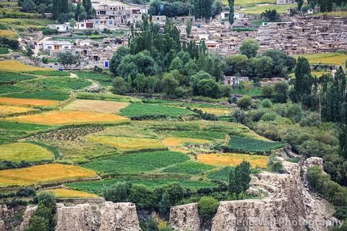 travel pakistan horizontal landscape outdoors asia village karakoram pk agriculture colorimage hispar indiansubcontinent snowlaketrek gilgitbaltistan remoteposition centralkarakoramnationalpark hisparvillage hisparnagar