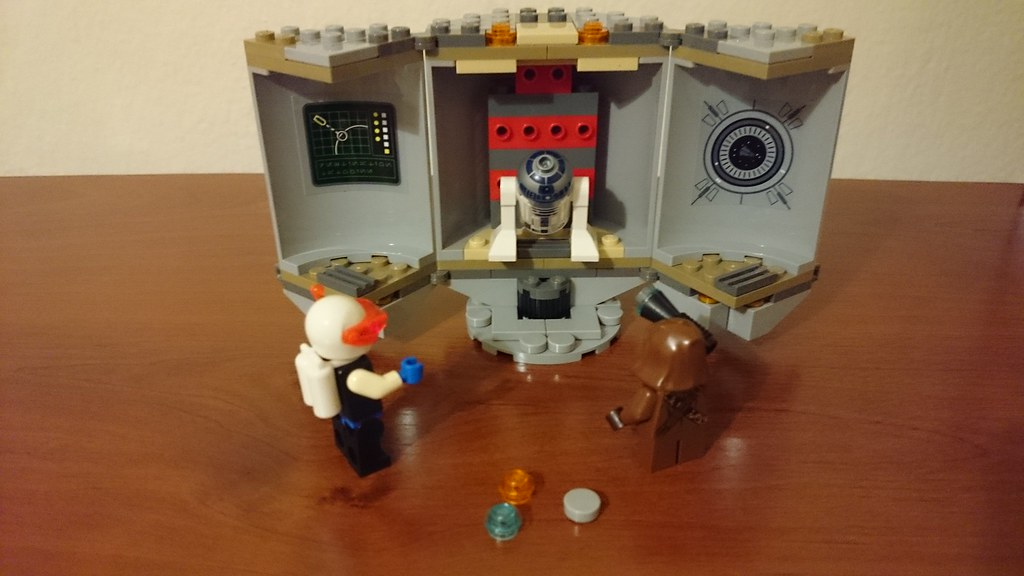 ThebrickReview: LEGO 75136 - (Star Wars) Droid Escape Pod (Pic Heavy!) 25791055182_d966ec5939_b
