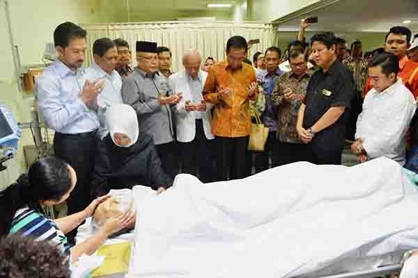 Presiden Jokowi mengunjungi Almarhum H.M Sani