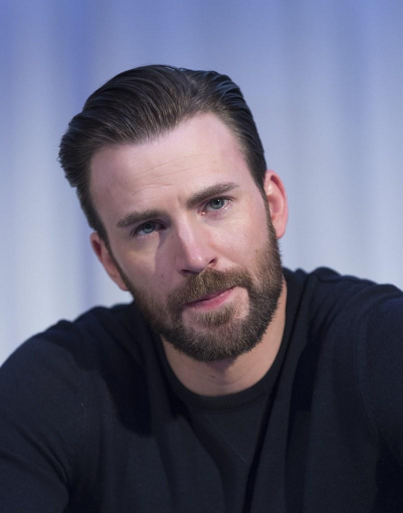 Крис Эванс — Пресс-конференция «Первый мститель» 2016 – 17
