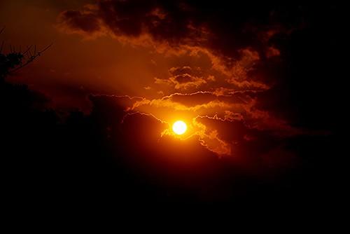 sun sol nubes