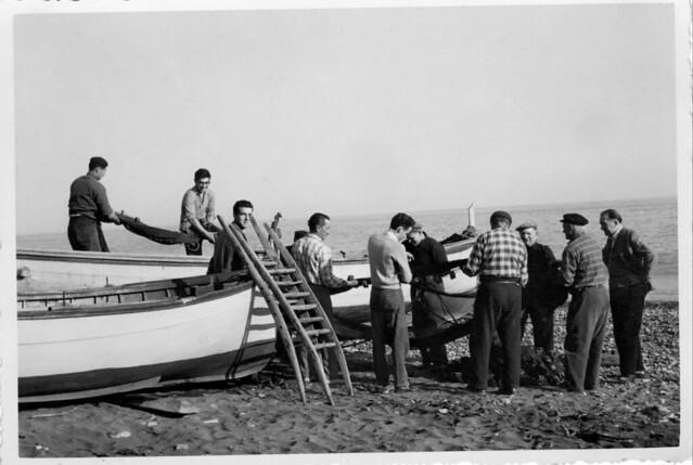 Ricordi - Pescatori sulla spiaggia di Pra' 2 - Genova 1960 circa circa
