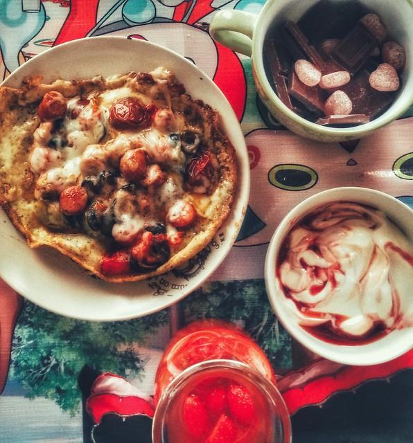 Omlette pizza brunch with Yokai Watch