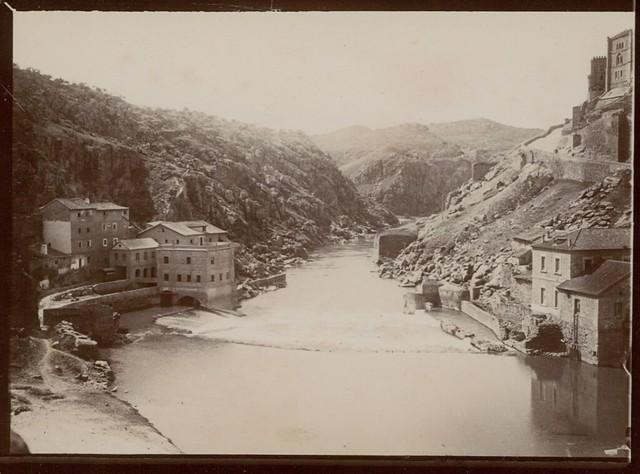 Turbinas de Vargas y Molinos de San Servando en Toledo hacia 1909