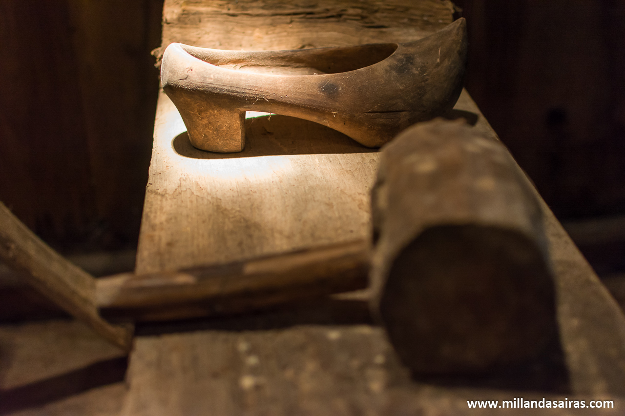 Banco de trabajo para tallado de zuecos