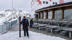 Albert na tarasie schroniska Berghaus Diavolezza 2973m
