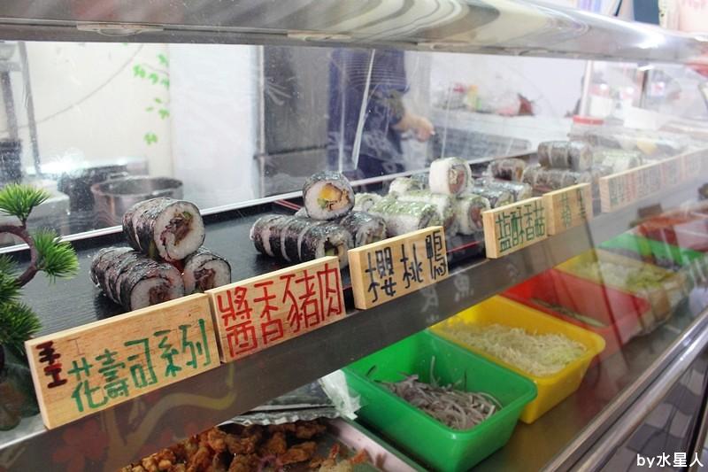 25995336172 bccd1f1a9d b - 台中西屯【御狩屋平價壽司】好特別的滷味花壽司、還有櫻桃鴨花壽司,清爽健康路線