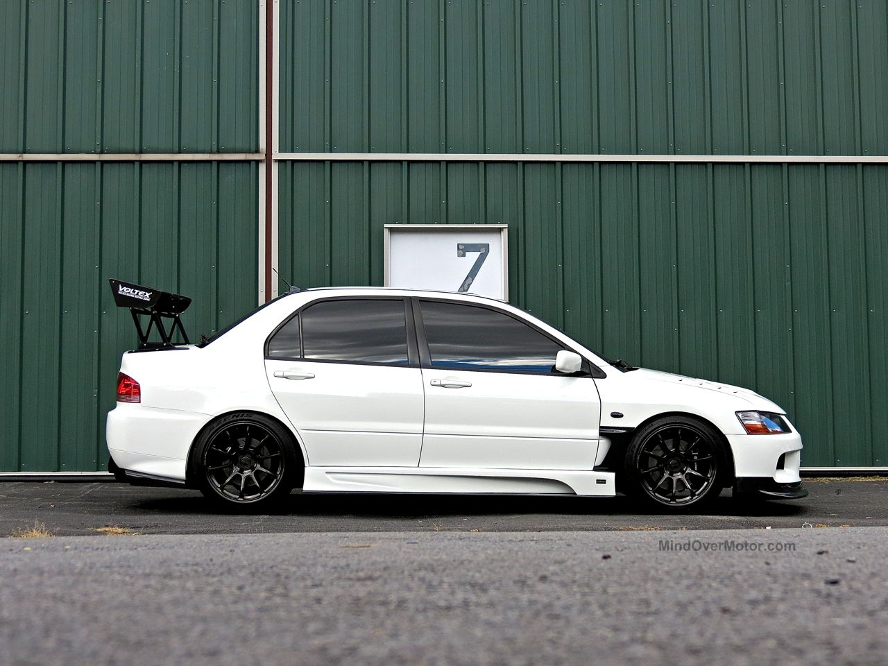 Modified Mitsubishi Lancer Evo First Class Fitment 3
