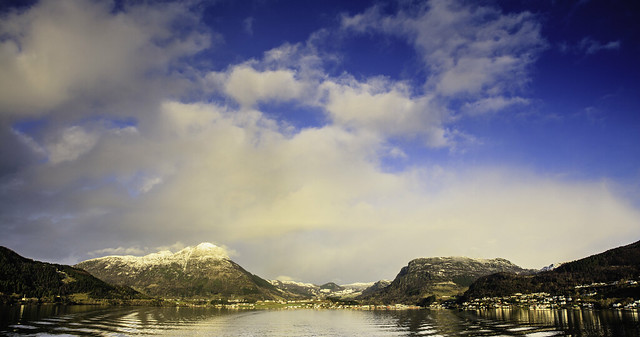 Sandeidfjorden