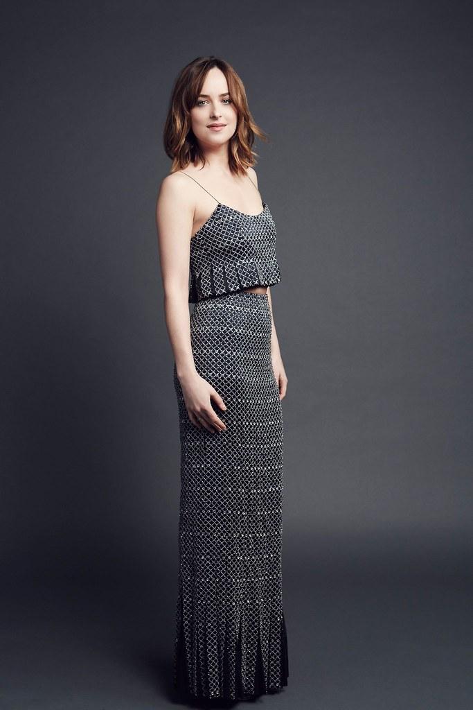 Дакота Джонсон — Фотосессия на «People's Choice Awards» 2016 – 4