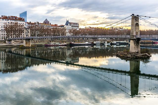 Lyon, passerelle du collège
