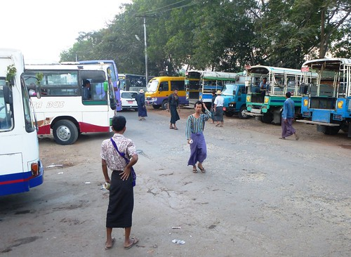 M 16-Yangon-Pathein-bus (6)