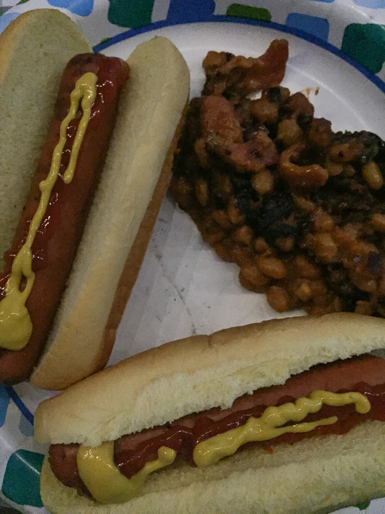 Hot dogs and baked beans | Camping foods