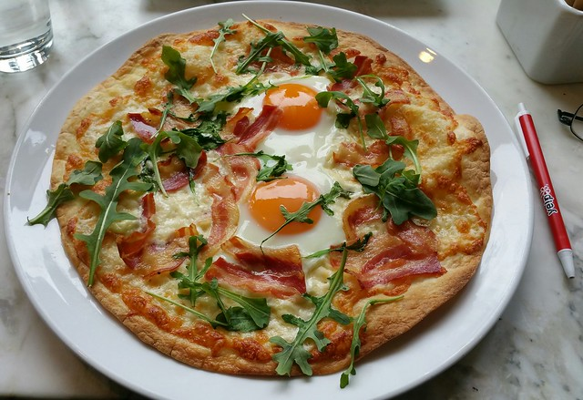 2016-Feb-7 Epicurean Cafe - breakfast pizza