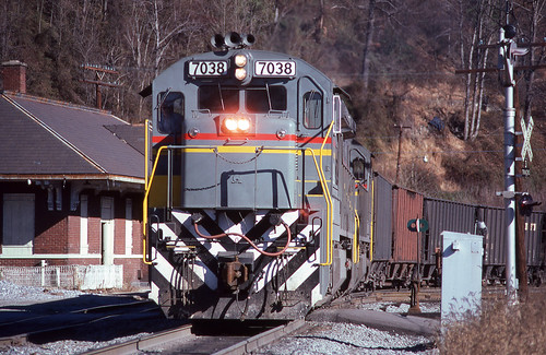 1979 12-18 1330 FL C30-7-7038 switching at Appalachia, VA