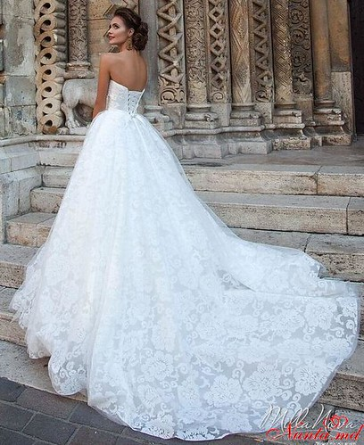 Salon de Mariaj Cocos-Tot luxul și eleganța modei de nuntă într-un singur loc! > Remarcabila si deosebita rochie - ERLAYN de la MillaNova 2016