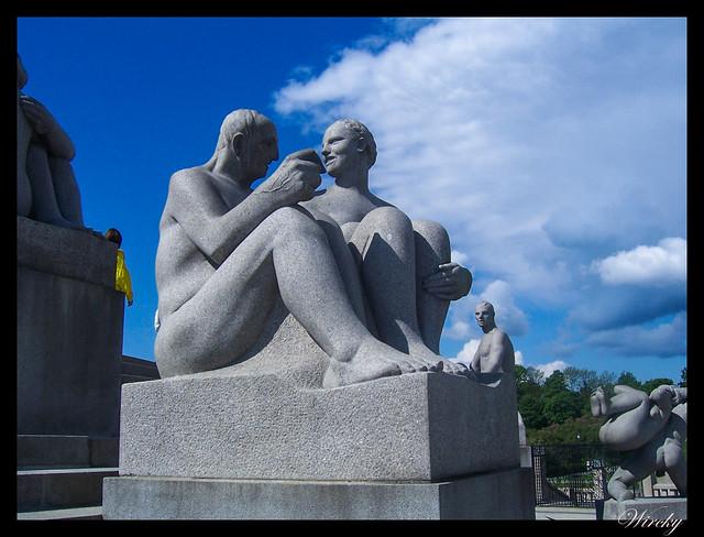 Fiordos noruegos Oslo parque Vigeland Bygdoy Holmenkollen - Escultura parque Vigeland