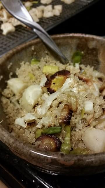 Quinoa bowl: roasted vegetables