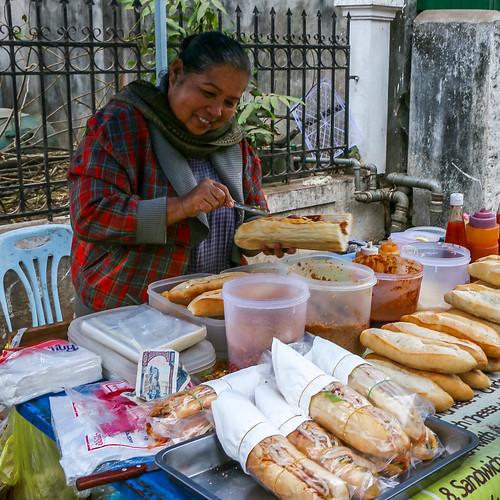 Sandwitch stand in Luang Prabang, Laos ルアンパバーンのサンドイッチ屋台