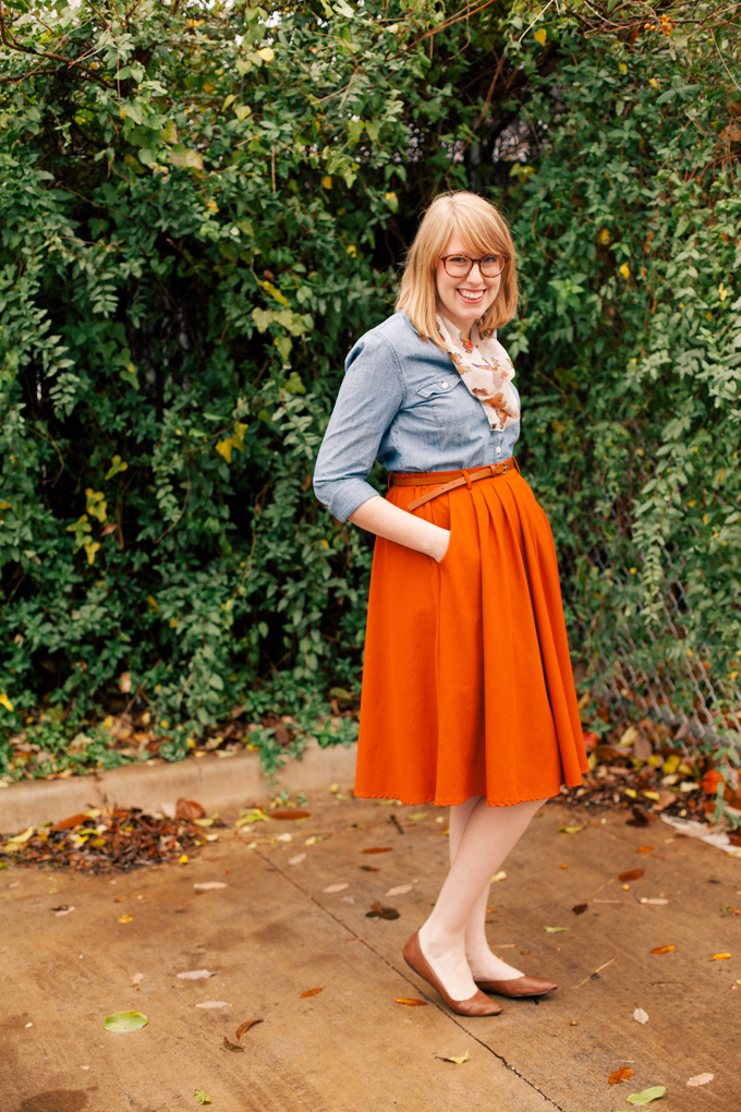 chambray shirt orange skirt9