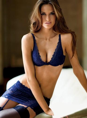 Model - Izabel Goulart