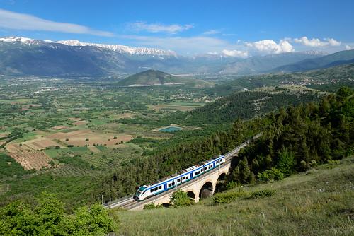 Regionalzug Avezzano-Sulmona bei Prezza