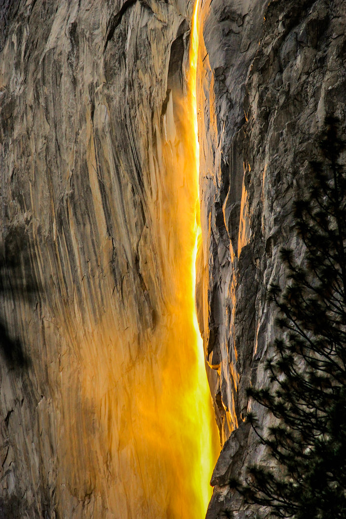 "Yosemite Horsetail ""Fire"" fall"