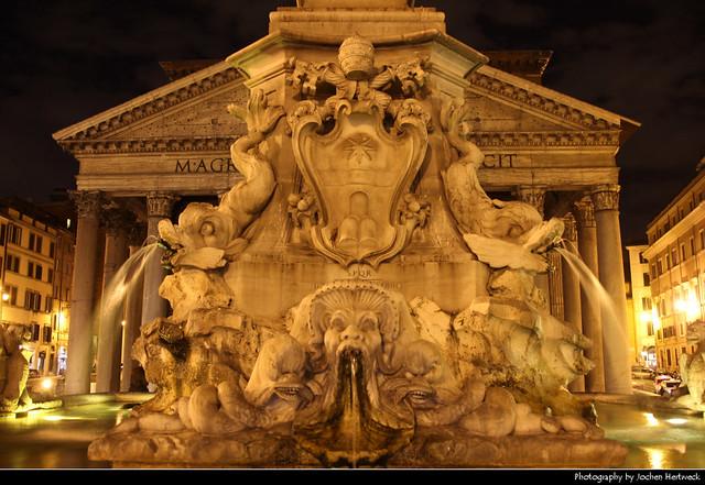 Pantheon & Fontana del Pantheon @ Night, Rome, Italy