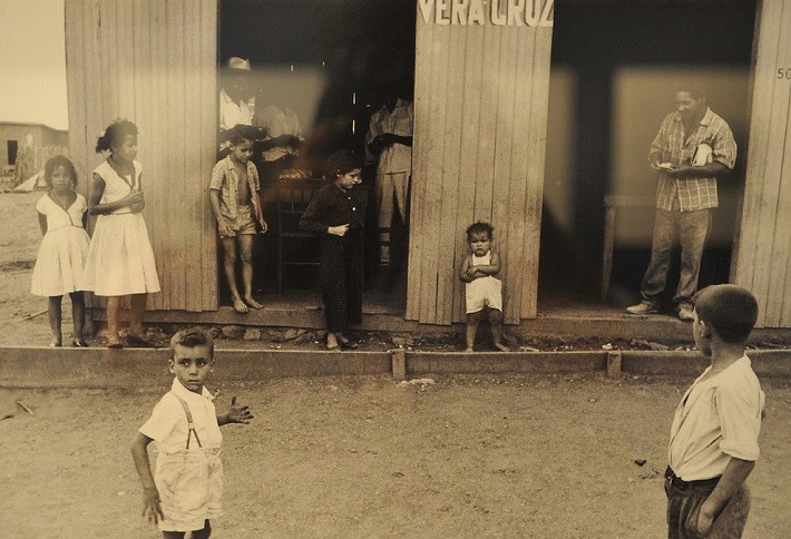 No último censo da época da construção de Brasília, mais de 7 mil pessoas já haviam nascido em Brasília. Fotografia: Arquivo Público do Distrito Federal, ArPDF.