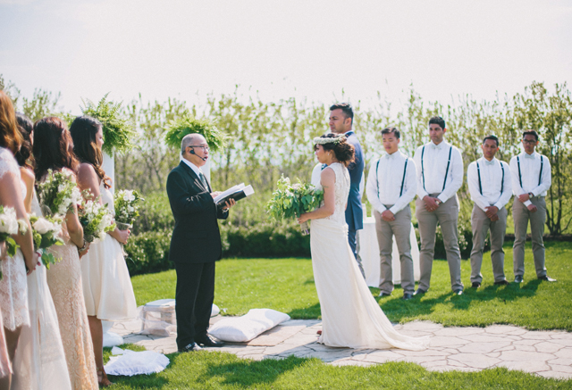 Garden Chic wedding in Ontario The bride wears #BHLDN wedding dress   Photography: Fern Shin Photography   Read more on Fab Mood - UK wedding Blog #gardenwedding