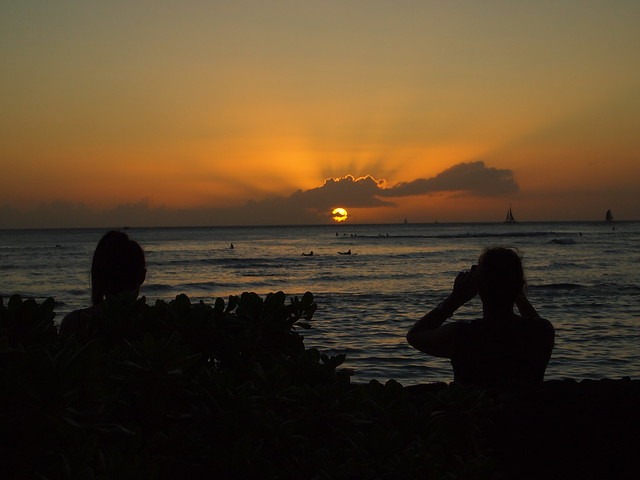 PB290640 ハワイ ワイキキビーチ サンセット hawaii waikiki beach sunset ひめごと ヒメゴト