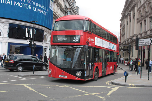 Arriva London North LT195