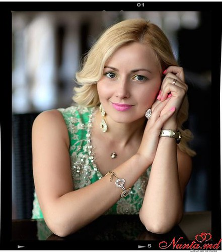 Elena Razvan - Moderator/prezentator! > Foto din galeria `Principala`