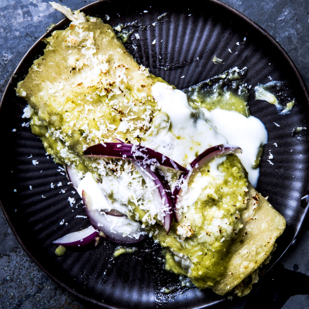 easy chicken recipes - Chicken Enchiladas Verdes