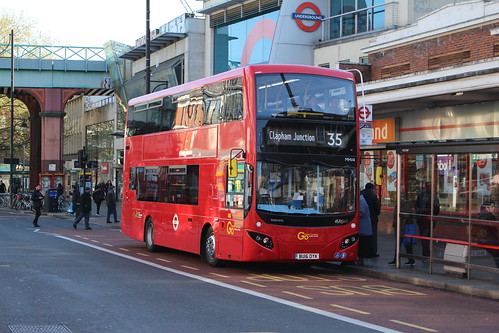 London Central MHV4 on Route 35, Brixton