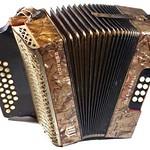 Die Harmonika von Peter Thöresz befindet sich in der Billeder Heimatausstellung.