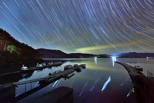 Star trails at wharf 檜原湖,裹盤梯