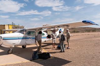 Verabschiedung von Pilot Rainer, Nola und Jim auf dem Doro Nawas Airstrip