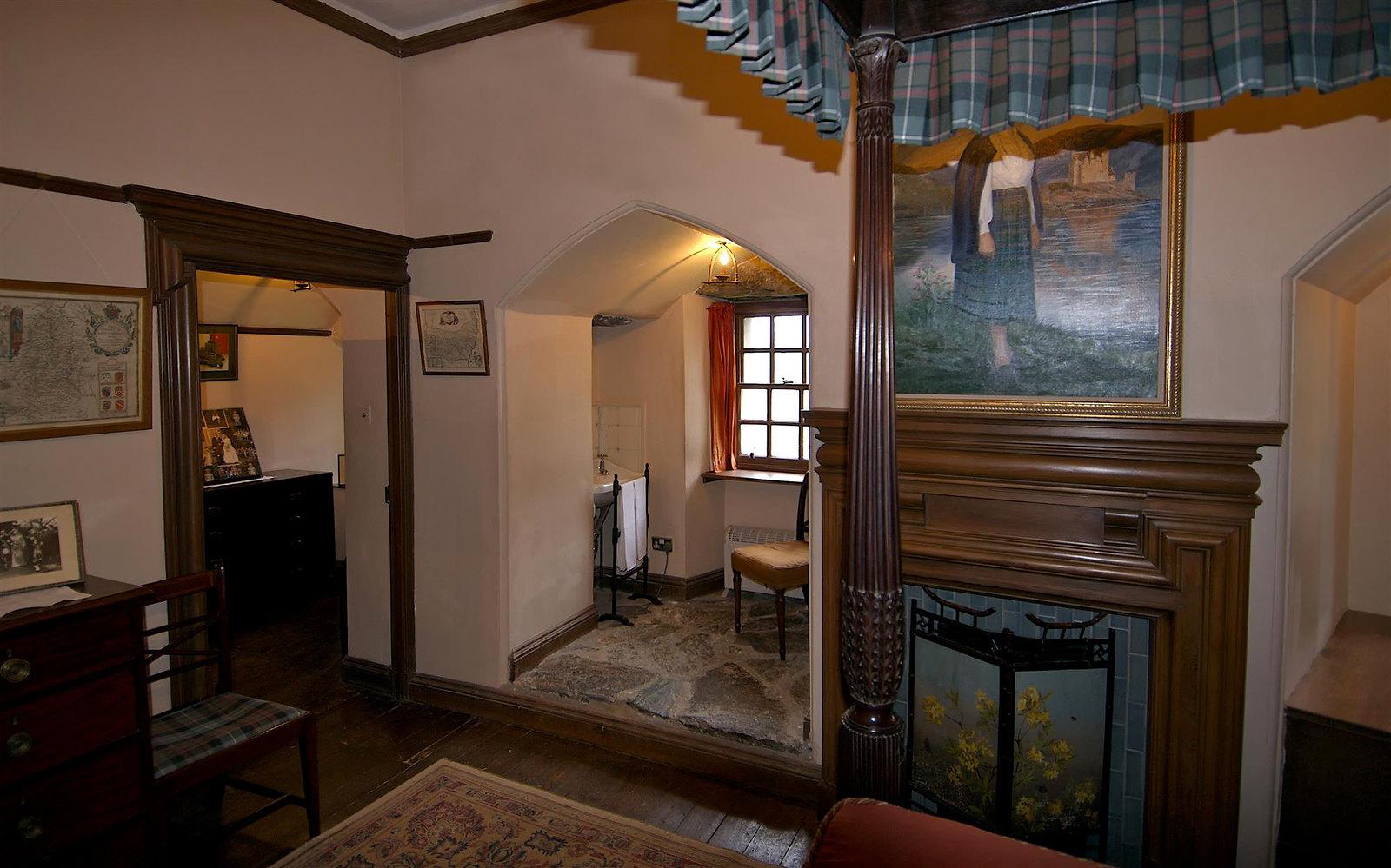 Eilean Donan Castle Ensuite. Credit Bruce MacRae